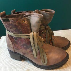 Roxy Bowman Boot 7.5 women